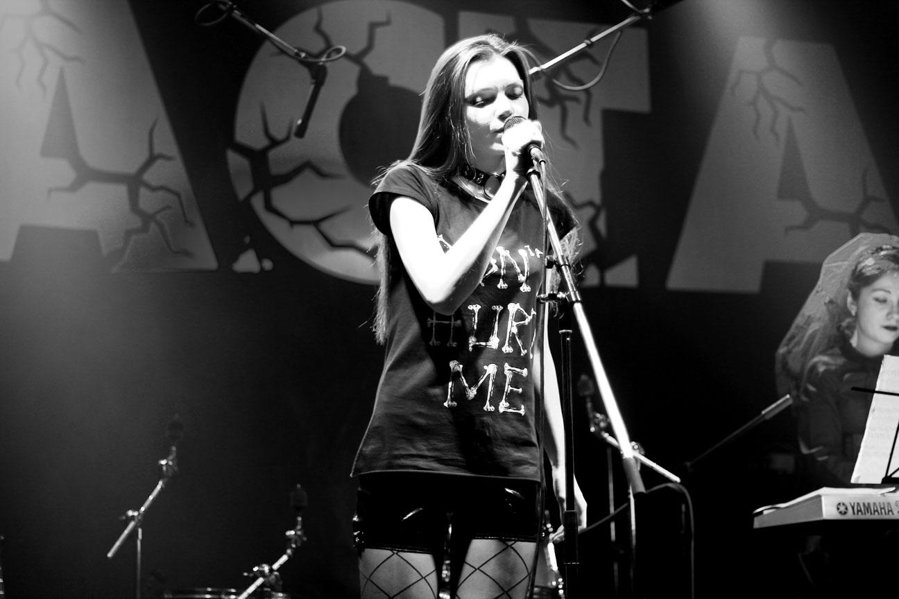 Vesssna на концерте в клубе Каста